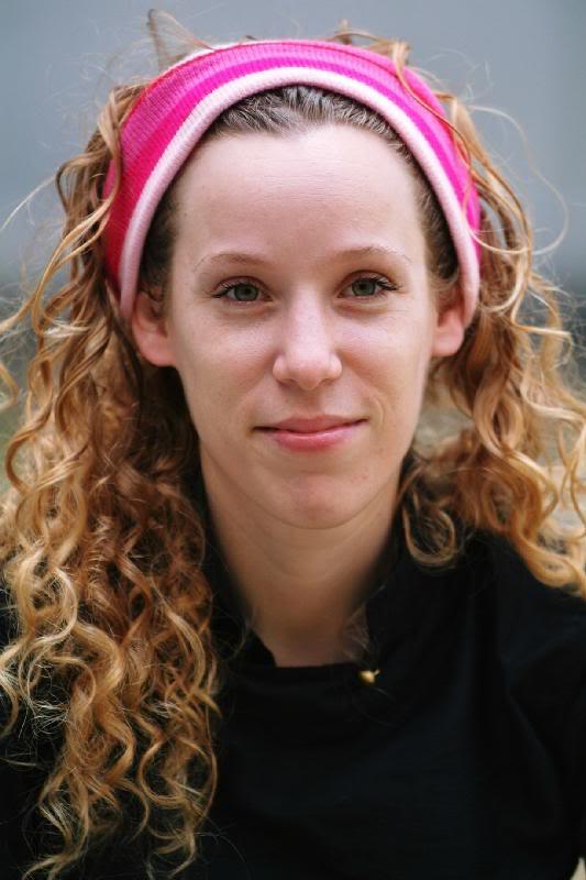 und Regisseurin <b>Yael Ronen</b> gemeinsam mit ihrem Team und - fo_arts_theatre_jaelrooen_2